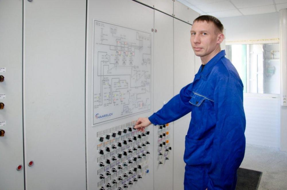 9_Владимир Лазар - машинист котлов КВМ 4,6 А.jpg